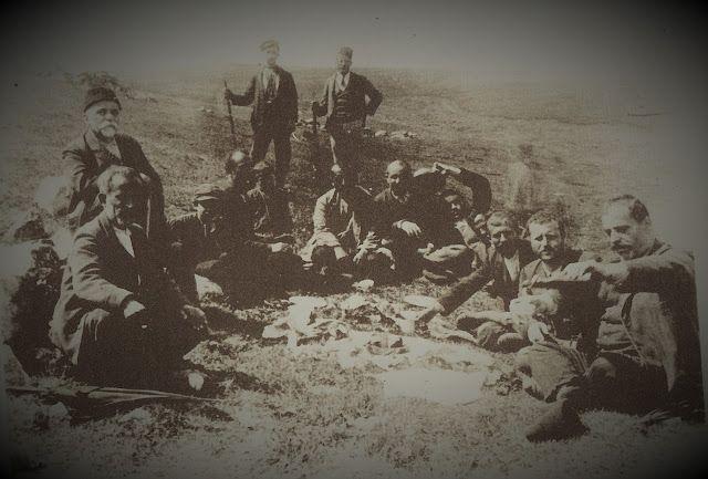 Santeos: Γλέντι στη Σαντά , στην αρχή του αιώνα μας.