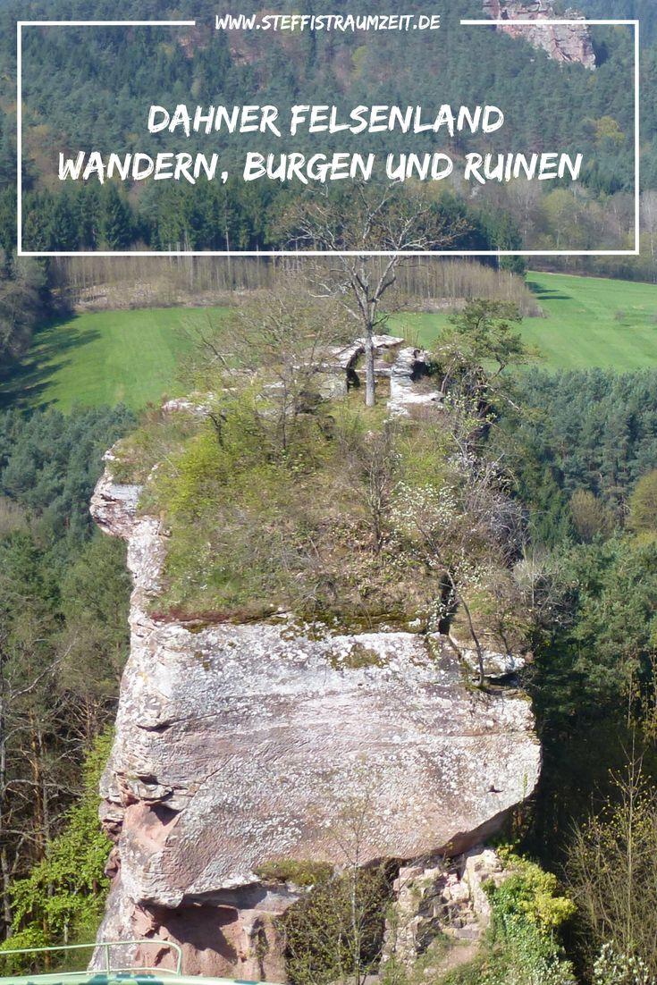 Das Dahner Felsenland ist ein wunderbares Wanderziel in der Pfalz. Abwechslungsreiche Wanderwege, tolle Aussichten, Burgen und Ruinen erwarten Dich beim Wanderurlaub in der Pfalz.