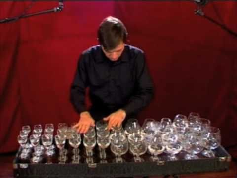 "Toccata and fugue in D minor by J. S. Bach  played on glass harp (musical glasses) by robert Tiso    Recorded and mixed at Blocco A, (PD) Italy by Giulio Ragno Favero and Giovanni Ferliga.    New Album ""CRYSTAL SOUND"" is now available.  For info visit http://www.cdbaby.com/cd/roberttiso2      グラスハープ    Bach's most famous organ piece arranged for glass harp..."