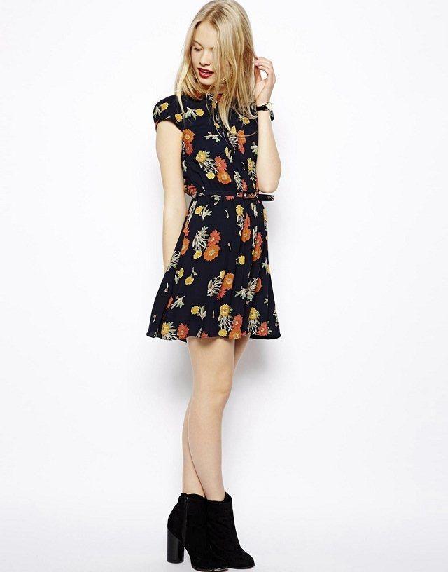 lo quiero!,..vestido retro de flores. En www.dulcevestir.com