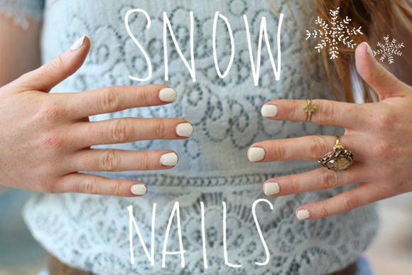 Snow nails! http://blog.freepeople.com/2012/11/beauty-diy-snow-nails/