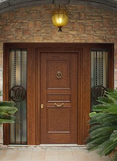 Evolution door in wood chestnut 3 with side panel. Heartwood Line.