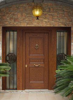 Evolution door in wood chestnut 3 with side panel. Heartwood Line.