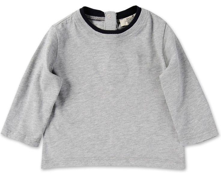 T-SHIRT MANICA LUNGA ARMANI BABY,  T-Shirt di Armani Baby a maniche lunghe di colore grigio chiaro con girocollo a contrasto doppio con logo Armani frontale stampato in lamina a caldo. Abbigliamento bambino Armani Baby.  http://www.abbigliamento-bambini.eu/compra/t-shirt-armani-baby-2745785