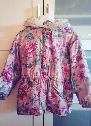 Kupuj mé předměty na #vinted http://www.vinted.cz/damske-obleceni/bundy/14046577-krasna-ruzova-kvetinova-bunda-s-koziskem
