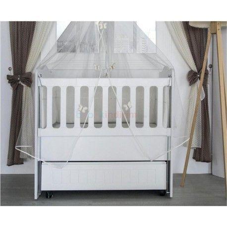 Aymini Anne Yanı Beşik 60x100 cm.  Sallanabilir ve sabitlenebilir.  Frenli tekerlek sistemi.  Yatak, uyku seti ve cibinliği de dahildir.