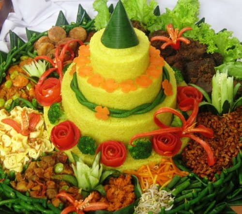 tumpeng - celebration rice tray