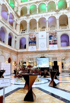 A nagy nap alkalmából egy igazán különleges, meglepetésekkel teli eseménysorozatot rendezett, hogy a meghívott partnerekkel és vendégekkel együtt ünnepelhesse meg az elmúlt 10 év sikereit.