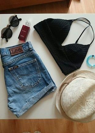 Kup mój przedmiot na #vintedpl http://www.vinted.pl/damska-odziez/szorty-rybaczki/13133864-szorty-lee-jeansowe-kultowe-boskie