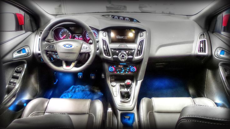 2016 ford focus st equipped with ambient lighting sync 3. Black Bedroom Furniture Sets. Home Design Ideas