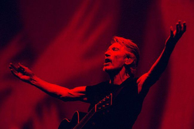 """Roger Waters Us + Them EXTRA Concert In L.A. - http://anythingla.com/roger-waters-us-them-extra-concert-in-l-a/ - [caption id=""""attachment_9560"""" align=""""aligncenter"""" width=""""650""""] Roger Waters in concert[/caption]   ROGER WATERS – US + THEM - 2017 NORTH AMERICAN TOUR THIRD SHOW AND FINAL SHOW ADDED IN LOS ANGELES – TUESDAY, JUNE 27 – STAPLES CENTER TICKETS ON SALE MONDAY, MARCH 13  Due to overwhelming demand, Roger Waters has announced a third and fina"""