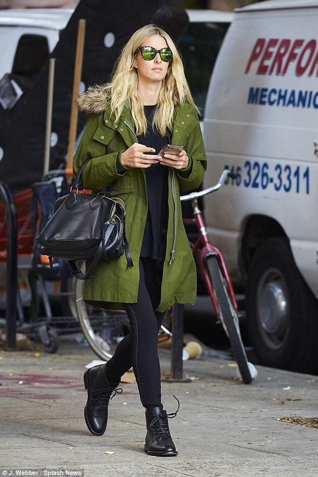 Nicky Hilton wearing Madewell Side-Zip Field Parka in Camouflage Green and Quay Australia About Last Night Sunglasses