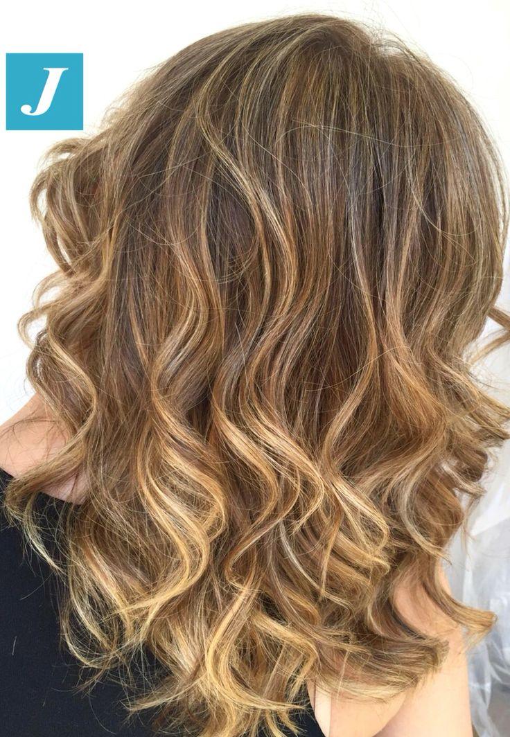 Le sfumature che una donna desidera. #cdj #degradejoelle #tagliopuntearia #degradé #igers #musthave #hair #hairstyle #haircolour #longhair #ootd #hairfashion #madeinitaly #wellastudionyc