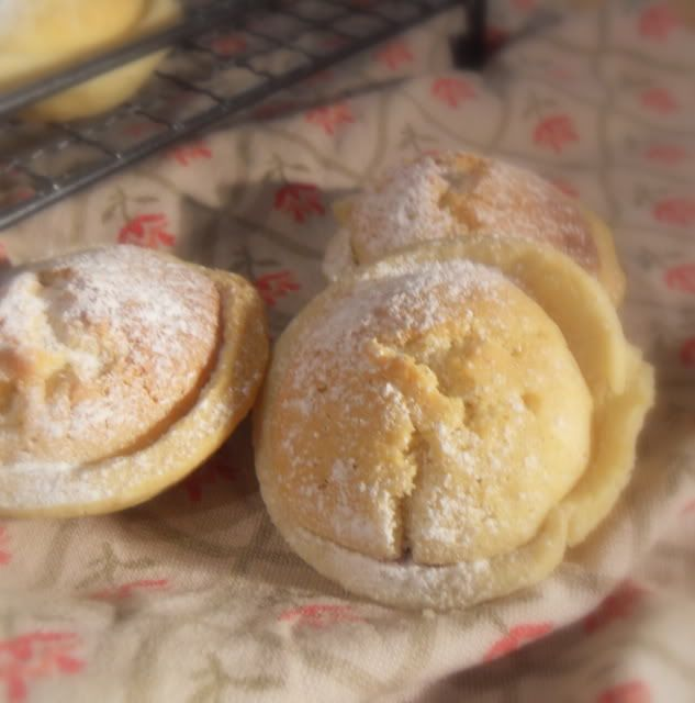 The English Kitchen: Welsh Cheesecakes