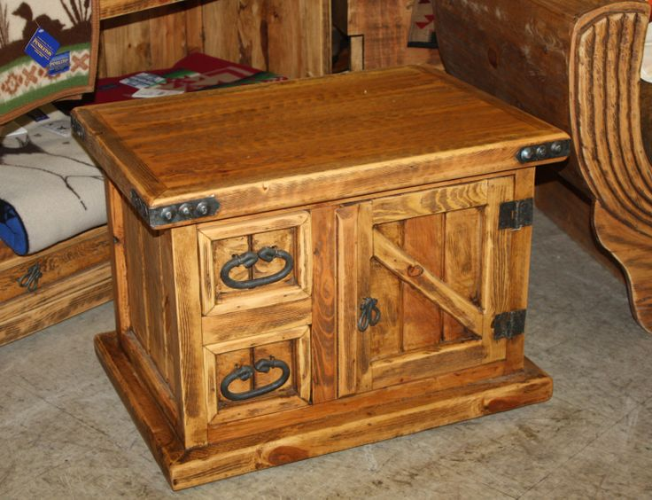 rustic end table  beefy corner brackets  Fab Tables