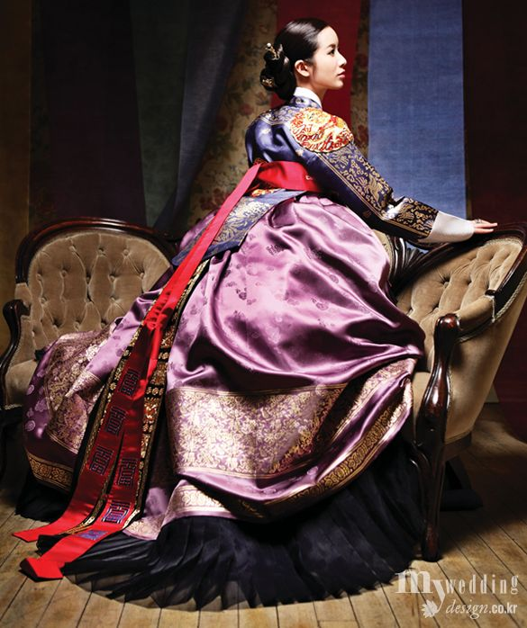 Hanbok, Korean traditional dress -  lovely fabrics...