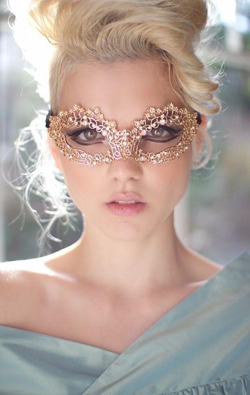 Rosamaria G Frangini   Masquerade Au Chateau   Gold Lace Mask