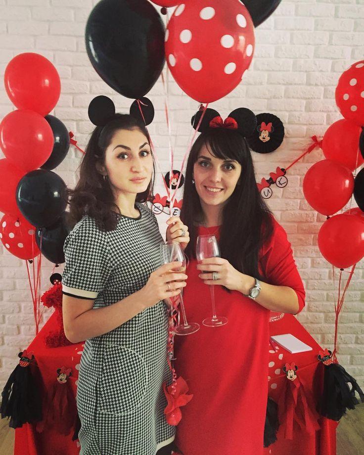 «У меня Микки,а у Даши - МинниОтмечаем день рождения маленькой Лиски.Степа и Алиса познакомились друг с другом,когда им было несколько дней,вместе росли…»