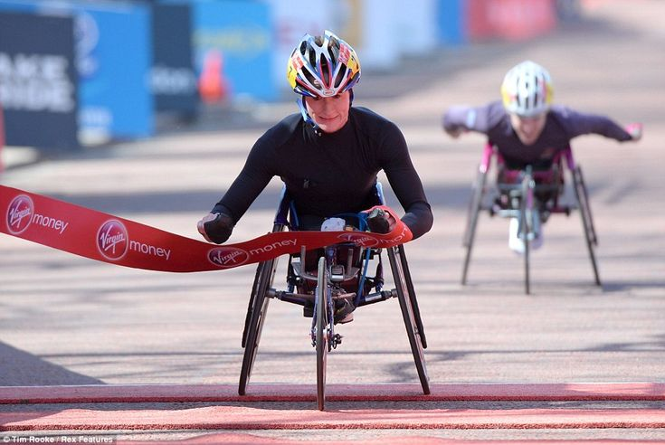 Tatyana McFadden, winner of the Boston Marathon, has dedicated her victory in todays London Marathon to the people of the city