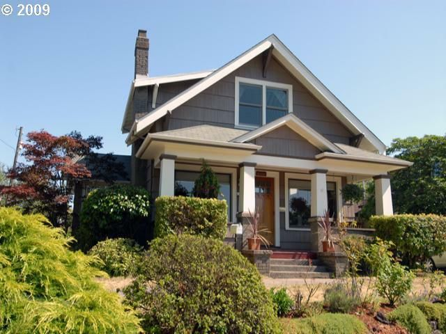 Classic 1912 craftsman bungalow in the rose city park area for Portland craftsman homes