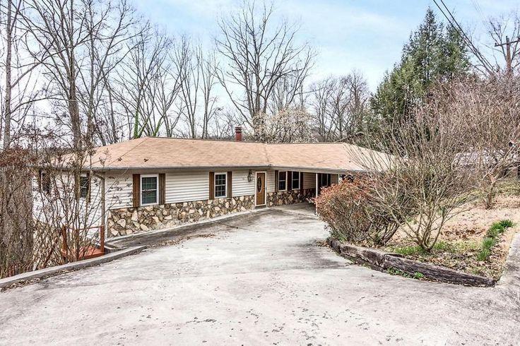 111 Morgan Rd, Oak Ridge, TN 37830