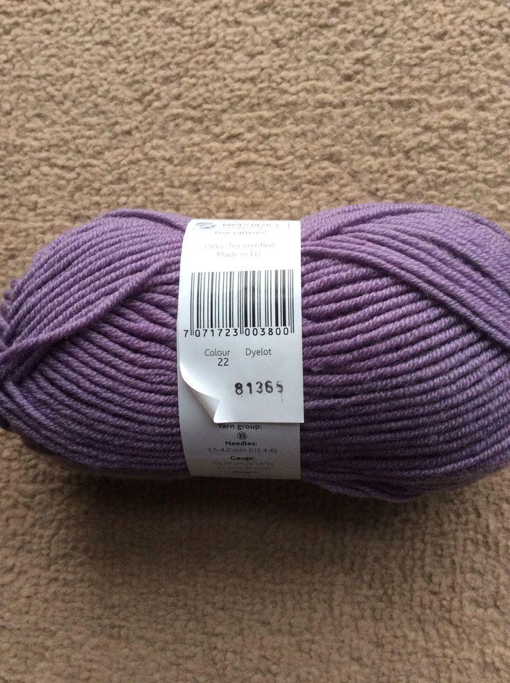 Drops 100% merino superwash extra fine. Colour 22, dye lot 81365.