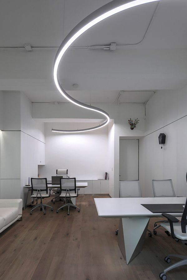 Light In Flowing Shapes In Mexico City In 2020 Office Lighting Lighting System Room Lights