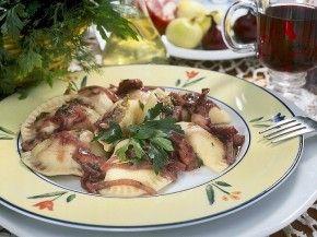 Historia pierogów :)  http://www.eksmagazyn.pl/zdrowie-i-uroda/ekstra-kuchnia/historia-pierogow pierogi, pielmieni, ravioli, wonton