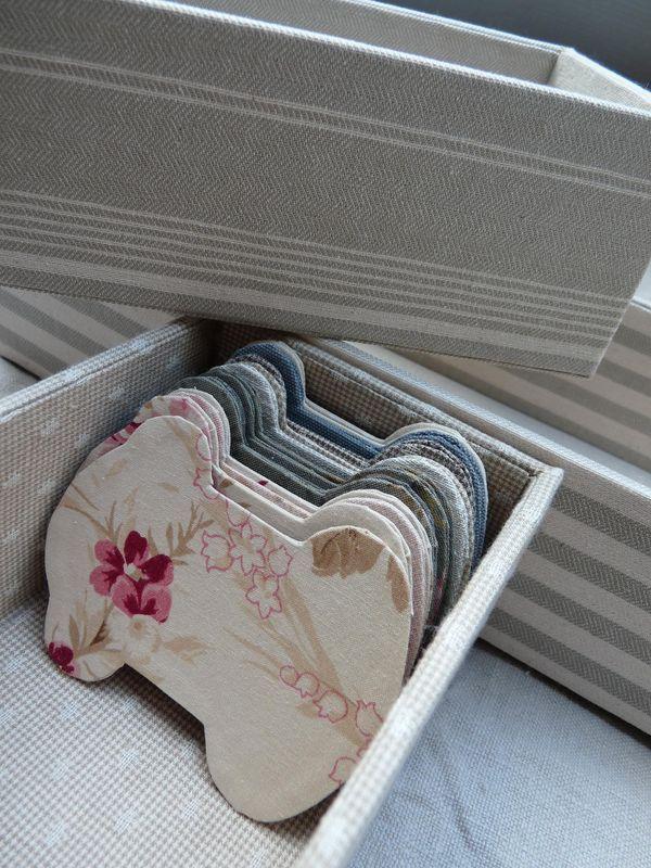 Blog_16_09_09_3, - jaaaa; van triplex met mooie stof en vernislijm...