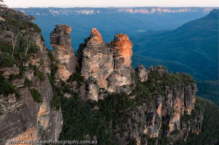 Google Image Result for http://www.grantdixonphotography.com.au/lib_images/BLU-8799_HDR.jpg    The Three Sisters. Echo Point. Katoomba. Loved this place since I was a small child