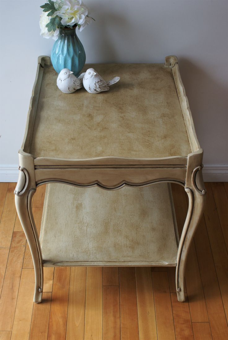 Curly Cue antiques   #chalkpaint #anniesloan #painted #furniture #diy #antiques #refinished