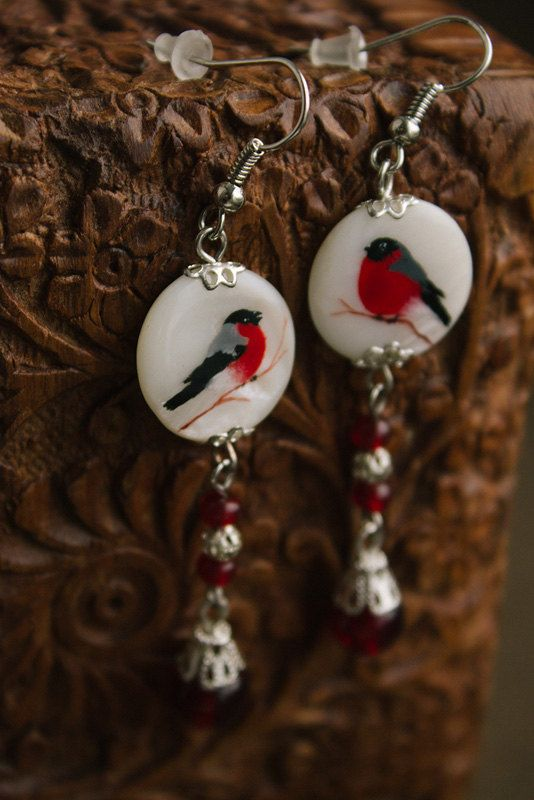 Winter bird earring with nacre от TaigaTheBorealForest на Etsy