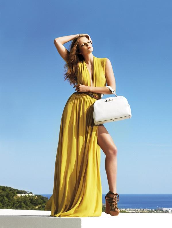Gherardini presenta la campagna pubblicitaria S/S 2012 con protagonista Eniko Mihalik