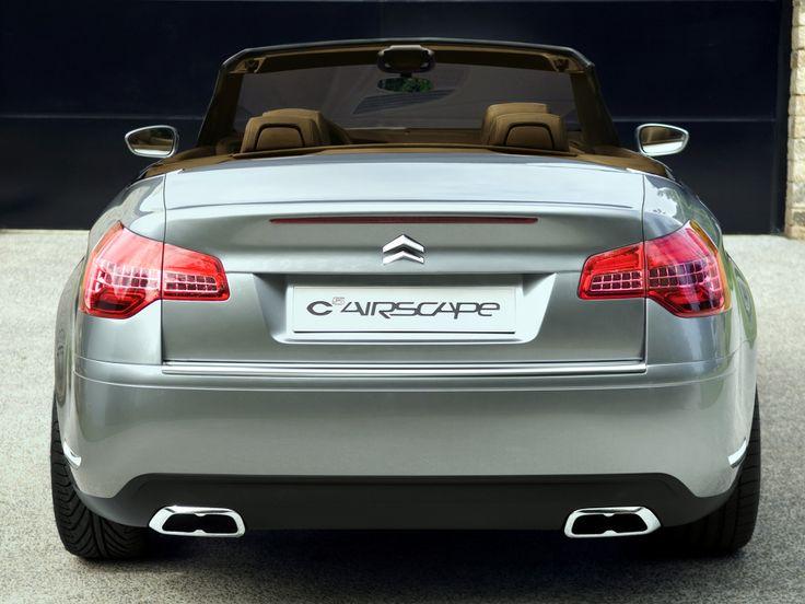 Malgré une certaine affection portée à la Citroën C5 première du nom (j'en conduis une au jour le jour, lire aussi: Citroën C5 II), il faut bien l'admettre: elle n'aura jamais é…