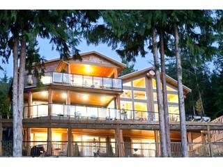 New Waterfront Home in Sechelt