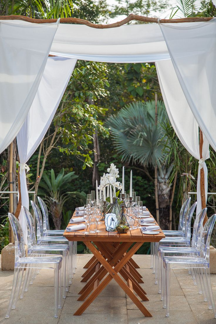 Dining under Canopy
