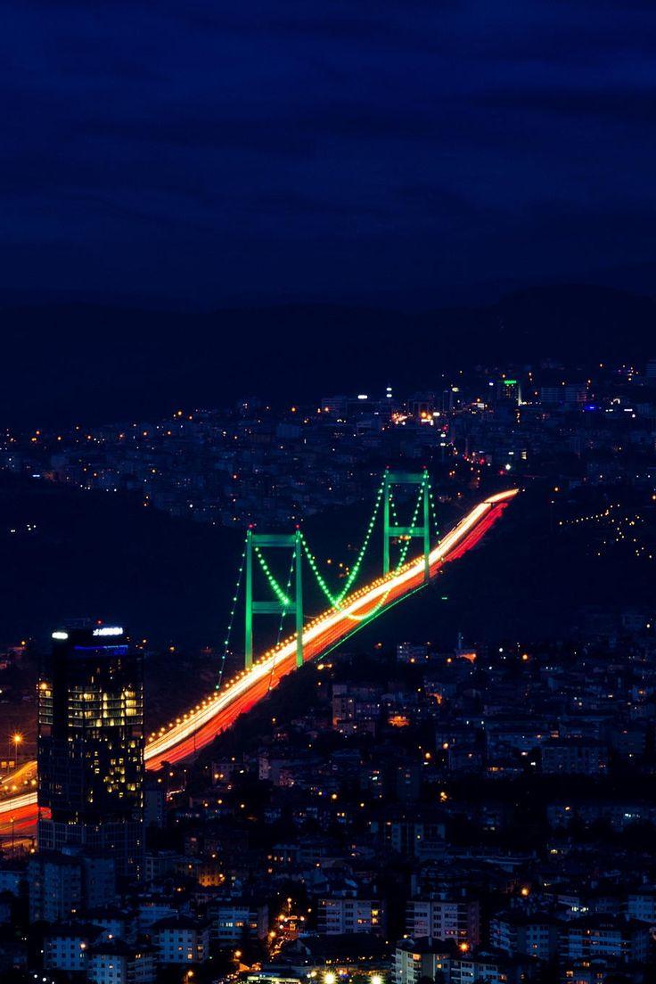 Fatih Sultan Mehmet Bridge (Second Bosphorus Bridge ), Istanbul, Turkey