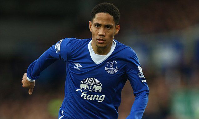 Former Tottenham and Everton player Steven Pienaar retires