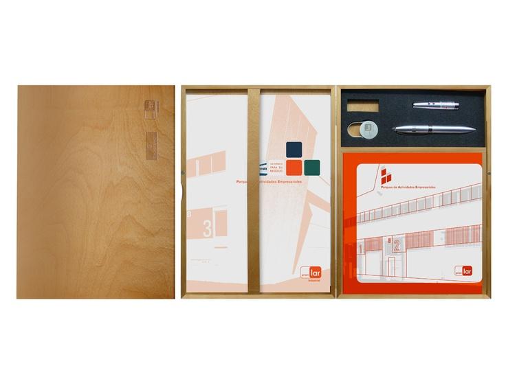 Pack entrega de llaves y materiales de presentación de Lar Industrial. 2007. Grupo Lar