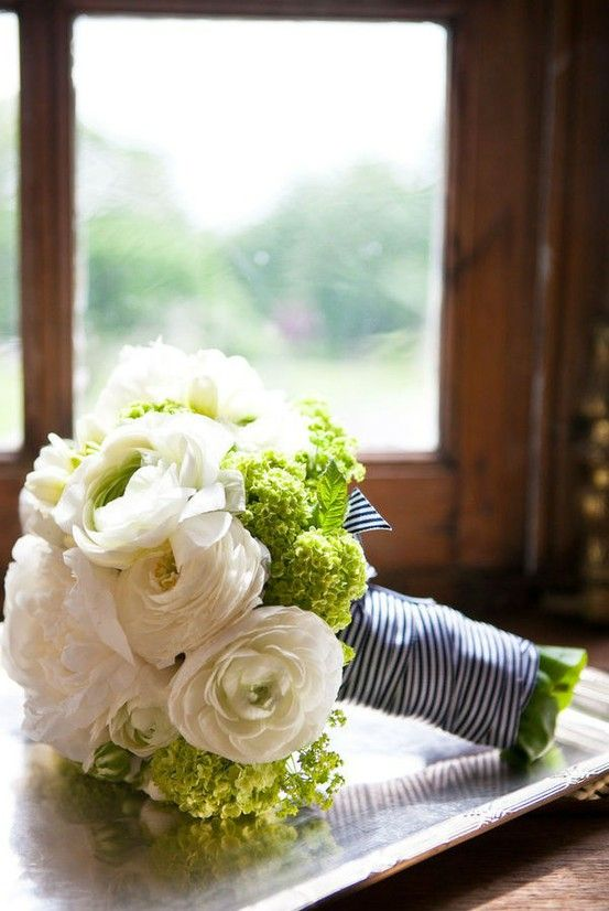 I like this striped ribbon to wrap the bouquet in.