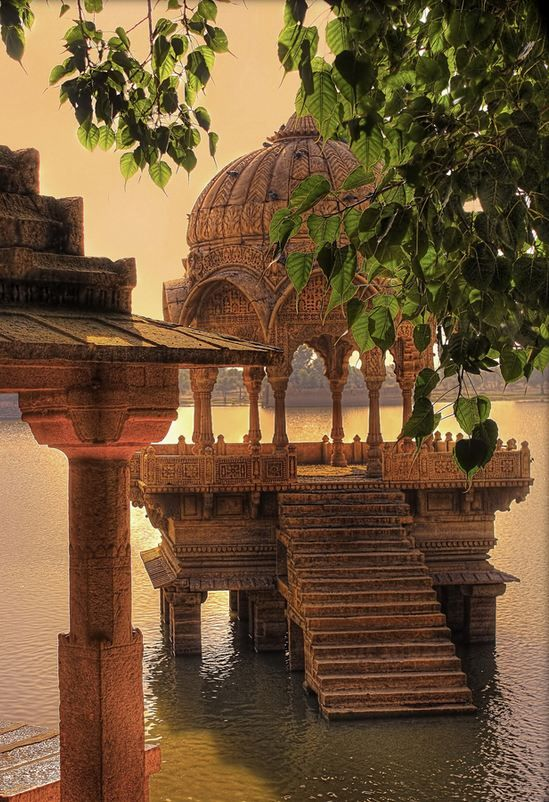 Pavilions on Gadsisar Lake in Jaisalmer / India (by Daniel...