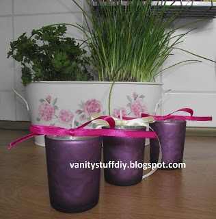 how to make a candle http://vanitystuffdiy.blogspot.com/2013/05/swieczki-recznie-robione-na-dzien-matki.html