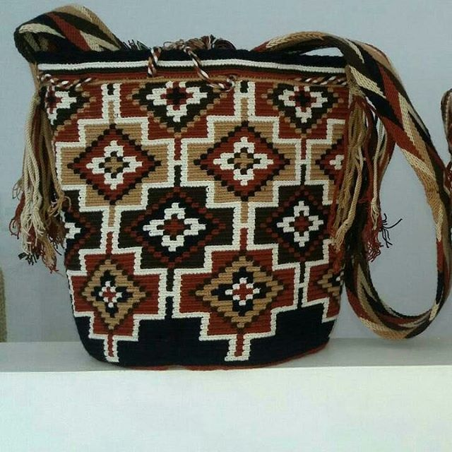 Mochila Wayuu multicolor New. Mar. 10-01.#mochila #wayuubags #beutiful #beuty…