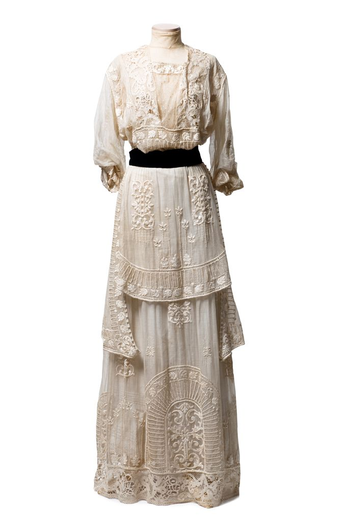 White cotton marquisette (mesh) dress, c. 1910-15 (When I think of dresses from this era in general, *this* is the dress I envision! <3): Edwardian Fashion, Cotton Marquisett, Edwardian Dresses, Edwardian Gowns, Historical Costumes 1910, 1910S Dresses, 1910S Fashion, Charleston Museums, 1910 15