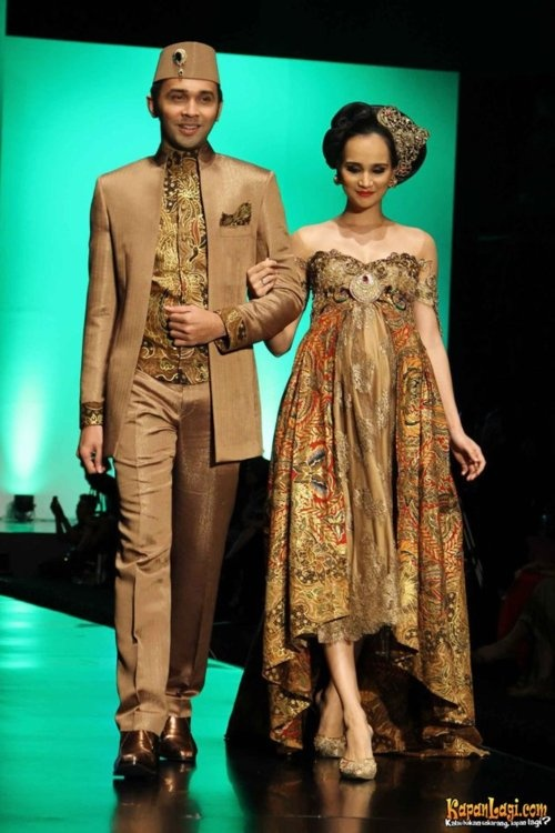 Batik Indonesia by Anne Avantie 2012