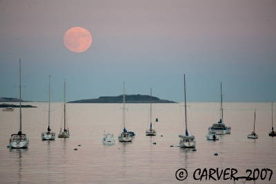 Full Moon Over Beverly Massachusetts - Photo  gonewengland.about.com