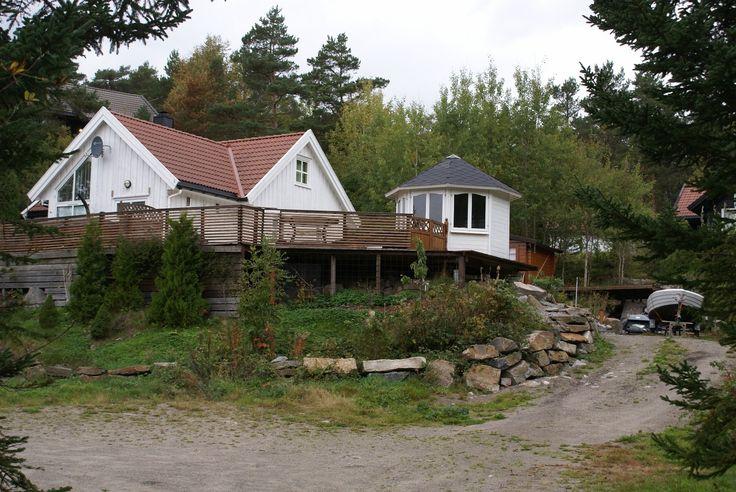 """(21) FINN – """"Sørlandsidyll"""" Hytte nær sjø i Søgne for leie i sommer. Alternativt Åremålsleie til firma."""