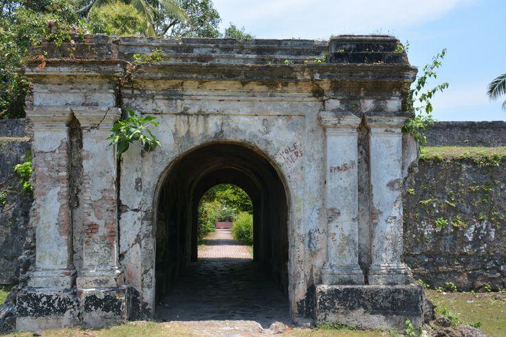 Gateway to Fort Revenge, Banda Island  http://www.spiceislandsforts.com/the-bandas/fort-revenge/