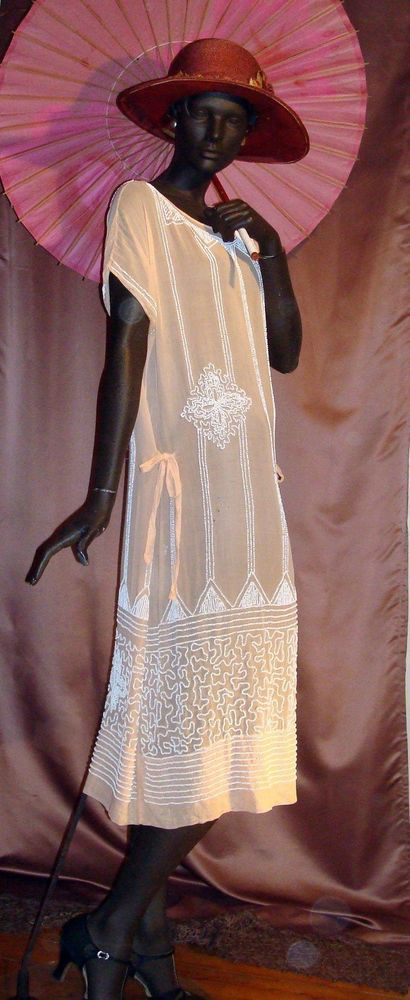Adjustable 1920s Peach Flapper Dress With Art Deco Milkglass Beading Sz 6-12