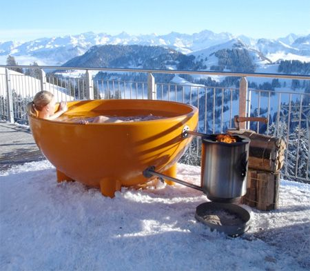 Innovative hot tub designed by Floris Schoonderbeek allows people to take warm outdoor bath anywhere in the world.